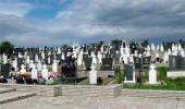 Српске жртве муслиманских злочина: Гробље у Братунцу на Петровдан 2005.